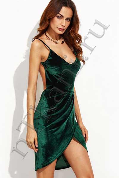 платье из бархата с открытой спиной
