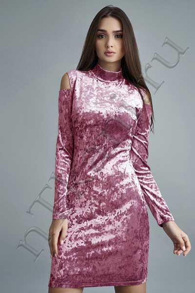 платье из бархата с воротником
