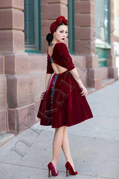 платье из бархата с пышной юбкой