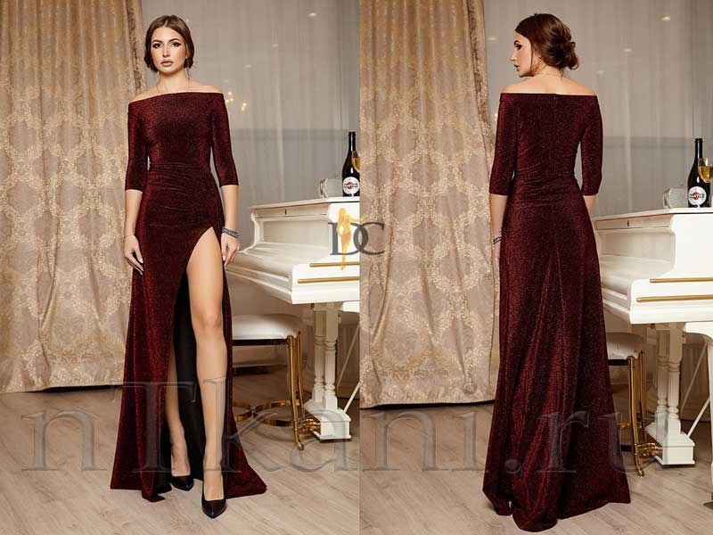 велюровое платье с глубоким разрезом