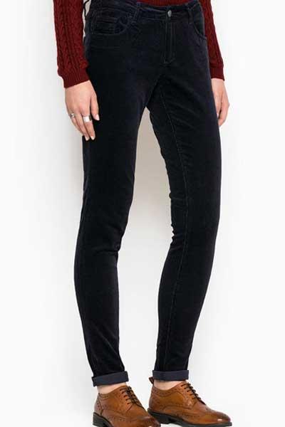 Зауженные вельветовые брюки