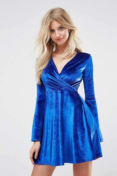 вельветовое платье с рукавами